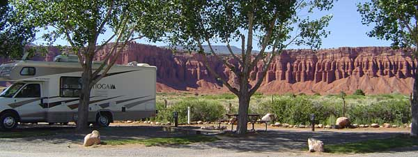 rv park and red rocks
